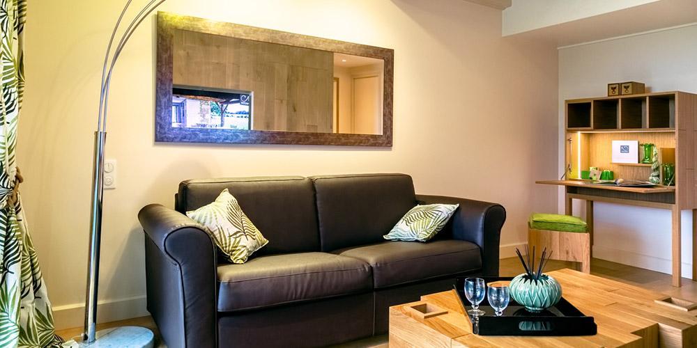 la suite nature du domaine de naz re. Black Bedroom Furniture Sets. Home Design Ideas
